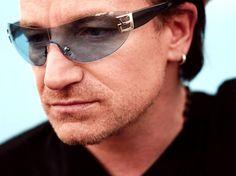 La visión de Bono de U2 está fallando, afirma Julián Lennon
