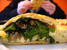 I just made these calzones with cheese, sausage, rapini, and I honestly say they are delicious.