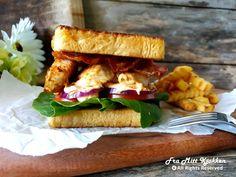 Kyllingsandwich - Fra mitt kjøkken Bacon, Sandwiches, Meat, Chicken, Food, Red Peppers, Meals, Yemek, Pork Belly