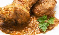 Karlos Arguiñano nos deleita con una receta en la que la carne de cordero (piernas e hígado) es la protagonista: caldereta de cordero. Plato típico de la cocina manchega.