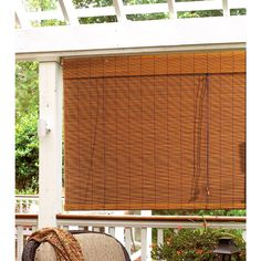 This Radiance indoor/outdoor premium matchstick roll-up blind features a fruitwood finish that will complement many outdoor and indoor decors. Versatile bamboo shades will blend easily with traditiona