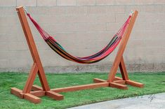 Easy DIY Hammock Stand Using 3 Tools - Full Tutorial, Video and Plans - Love this easy and simple DIY Hammock stand for the backyard! How to build a wooden hammock stand. Wooden Hammock Stand, Hammock Chair Stand, Backyard Hammock, Diy Hammock, Outdoor Hammock, Hammocks, Diy Simple, Easy Diy, Free Standing Hammock