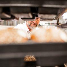 Die einzige Grundregel, die zu beachten ist: Gesundes und Leichtes sollte im Vordergrund stehen. 😋 Unser #Bäckermeister René schaut ganz genau hin, damit dir unser Brot schmeckt und gesund ist. #brotpower #Fasten #Fastenzeit #BrotundWasser #wienerroither #maguat #bäckerei #brot #Gebäck #handgemacht #bäcker #geschmack #genuss #backen #backstube, #backhandwerk, #bake, #bakery, #withlove #wörthersee #kärnten #austria