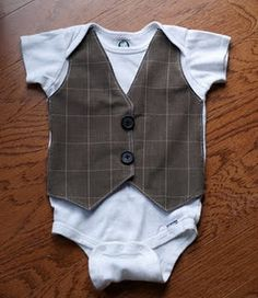 Grey Luster Girl shows how she made this faux vest onesie for a handsome baby boy. It's a store-bought onesie with a vest shape appliqued to the front. Baby Outfits, Kids Outfits, Vest Outfits, Simple Outfits, Sewing For Kids, Baby Sewing, Onesies, Boy Onesie, Onesie Diy