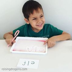 Cane Writing in the Snow * ages ⋆ Raising Dragons Candy canes make great writing tools in this fun, sensory writing tray activity!Candy canes make great writing tools in this fun, sensory writing tray activity! Preschool Learning Activities, Sensory Activities, Infant Activities, Educational Activities, Teaching Kids, Preschool Kindergarten, Sensory Play, Free Preschool, Sensory Bins