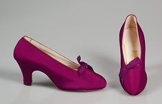 Shoes (Pumps), Evening  B. Altman & Co.  (American, 1865–1990)    Date:      ca. 1930  Culture:      American  Medium:      Silk  Credit Line:      Brooklyn Museum Costume Collection at The Metropolitan Museum of Art, Gift of the Brooklyn Museum, 2009; Gift of Mrs. Frederick H. Prince, Jr., 1967  Accession Number:      2009.300.5601a, b