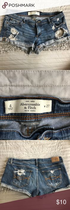 Abercrombie & Fitch denim shorts size 4 w 27 Abercrombie & Fitch Denim Shorts size 4/27 Abercrombie & Fitch Shorts Jean Shorts