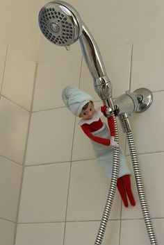 25 creative Elf on the Shelf ideas for a busy mom - Page 2