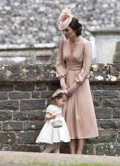 Kate Middleton Photos Photos  Catherine la duchesse de Cambridge parle à Princes