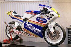 T2Racing製 HONDA NSR250R MC21 カスタム車両 ロスマンズ ホンダ NSR500 1993年 レプリカ M.ドゥーハン号 Rothmans_画像1