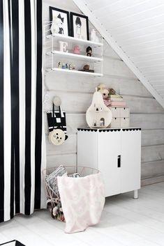 chambre enfants noir et blanc rideaux graphiques