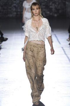 John Galliano Spring 2017 Ready-to-Wear Fashion Show - Edie Campbell (Viva)