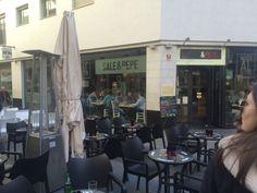 Sale y pepe es un restaurante italiana muy popular de Alicante. Sale y Pepe tiene dos ubicaciónes. Queiro propar pronto