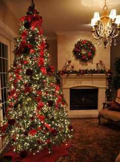 Interior Design Ideas, Elegant Christmas Tree And Mantel Decoration And Awesome Wreath With Red Ribbon: Beautiful Christmas Tree Pictures De. Christmas Tree And Fireplace, Christmas Mantels, Noel Christmas, Christmas Design, Country Christmas, Fireplace Garland, Xmas Tree, White Fireplace, Christmas Ribbon