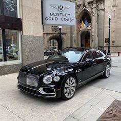 Top Luxury Cars, Luxury Sports Cars, Bently Car, Motor Radial, Rolls Royce, Bmw Car Models, Volkswagen Models, Bentley Suv, Audi Sports Car