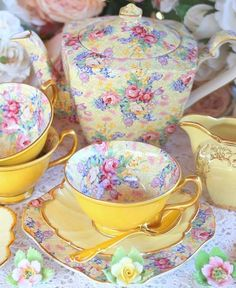Vintage China, Crockery and Tea Set Hire - Perth - The Vintage Table Yellow Chintz Vintage China, Vintage Crockery, Vintage Yellow, Teapots And Cups, Teacups, China Tea Cups, My Cup Of Tea, Chocolate Pots, Tea Cup Saucer