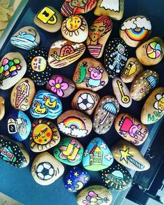 Stones - All For Garden Pebble Painting, Pebble Art, Stone Painting, Diy Painting, Rock Painting Patterns, Rock Painting Ideas Easy, Rock Painting Designs, Fun Diy Crafts, Rock Crafts