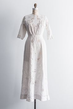 Edwardian Linen Embroidered Dress - S | G O S S A M E R