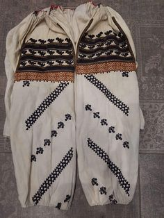 Folk Embroidery, Ethnic, Father, Clothing, Sweaters, Fashion, Pai, Outfits, Moda
