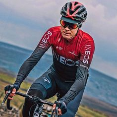 Chris Froome with a new kit training ride Chris Froome, Mountain Climbers, Pro Cycling, Photo Galleries, Training, Kit, Road Bike, Instagram, Road Racer Bike