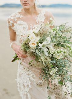 Selva Floral Design // Sarah Blasi // Portland, OR: Oregon Coast editorial // Emily Riggs and Corbin Gurkin