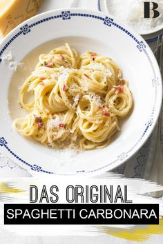 Spaghetti recipes like from the Italian. Guaranteed to be represented in every Italian restaurant: Original spaghetti carbonara is only prepared with pancetta, eggs and grated hard cheese – and tastes incredibly good! The recipe: Spaghetti Carbonara. Authentic Spaghetti Carbonara Recipe, Italian Spaghetti Recipe, Italian Pasta Recipes, Quick Dinner Recipes, Appetizer Recipes, Spaghetti Cabonara, Pasta Carbonara, Southern Recipes, The Originals