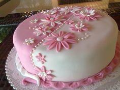 White & Pink flower cake