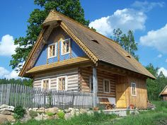 Malovaná chaloupka Swiss Chalet, Country Houses, Small Places, Neo Traditional, Log Cabins, Slovenia, Croatia, Group, House Styles
