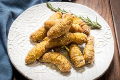 Air Fried Lemon Parmesan Hasselback Fingerling Potatoes for an easy and impressive side dish! Roasted Fingerling Potatoes, Hasselback Potatoes, Air Fryer Baked Potato, Air Fry Recipes, Idaho Potatoes, Savoury Dishes, Parmesan, Good Food, Stuffed Peppers