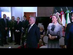 A cerimônia de apresentação dos Oficiais promovidos pelo ...(Ministro e ...