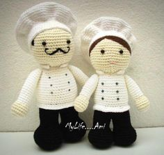 "Mis Pequeños Cocineros.Son hechos a mano y con Amory viene deLa Fabrica de Muñeca Amigurumi ""MyLife .... Ami""en la hermosa isla de Lanzarote.  My Little Cooks.They are handmade with loveand come fromThe Amigurumi Doll Factory ""MyLife....Ami""on the lovely island of Lanzarote."