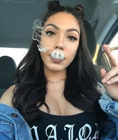 just fucking fllw me Fille Gangsta, Gangsta Girl, Weed Girls, 420 Girls, Girl Smoking, Smoking Weed, Cloud 9, Malboro, Thug Girl