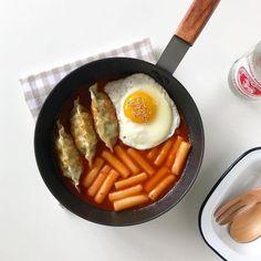 I Love Food, Good Food, Yummy Food, Cafe Food, Aesthetic Food, Korean Aesthetic, Korean Food, Korean Bbq, Food Cravings