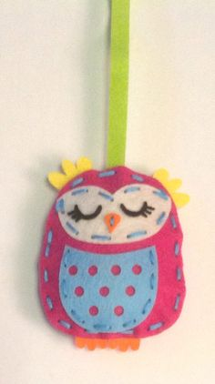 Mini felt owl hanging decoration. Kit for it bought from The Works.