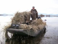 Duck Hunting Expands on Upper Klamath Lake - Bass and Trout Fishing Digest Duck Hunting Blinds, Duck Hunting Boat, Deer Hunting, Hunting Stuff, Turkey Hunting, Mud Boats, Sail Boats, Duck Boat Blind, Hunting Photography