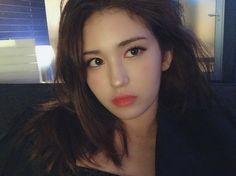 okay but somi's the prettiest girl ever  South Korean Girls, Korean Girl Groups, Mode Rose, Jeon Somi, One Hair, The Most Beautiful Girl, Celebrity Gossip, Kpop Girls, Asian Girl