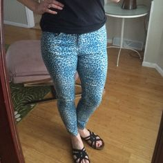 """Cute blue animal print skinnies These jeans are so comfortable!  2% stretch!  Inseam measures 30"""" and rise 9 1/2"""" new directions Jeans Skinny"""