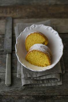 - VANIGLIA - storie di cucina: Torta soffice CON curcuma e zenzero e SENZA…