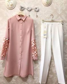 Simple Pakistani Dresses, Pakistani Dress Design, Pakistani Fashion Casual, Designer Party Wear Dresses, Kurti Designs Party Wear, Hijab Fashion, Fashion Dresses, Dress Outfits, Casual Dresses