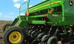 nice Product Spotlight: The John Deere 1590 No-Till Drill