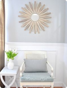 Turn paint stirrers into a sunburst mirror. A metallic finish magically morphs a collection of paint stirrers into an unexpected focal point for your living room. Click through for more DIY home projects with paint stirrers. Diy Wall Art, Diy Wall Decor, Diy Home Decor, Wall Decorations, Decor Crafts, Paint Stir Sticks, Painted Sticks, Diy Wand, Diy Design