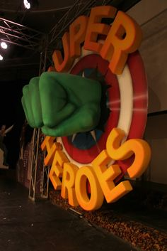 Sculpting stage props: 3D letters with pink foam | The art of faking it - Stage design, themed rooms, props and more