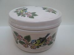Beautiful Vintage RSPB Blue Tit Bird Pottery Trinket Box 1981