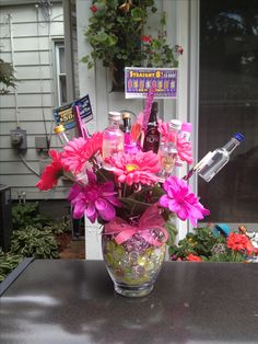 Bouquet with mini bottles of alcohol, flowers, lottery tickets, gum & candy that I made for my friends 21st Birthday Gifts For Girls, 21st Birthday Basket, Cute Birthday Gift, 21 Birthday, Birthday Ideas, Alcohol Bouquet, Liquor Bouquet, Candy Bouquet, Candy Crafts