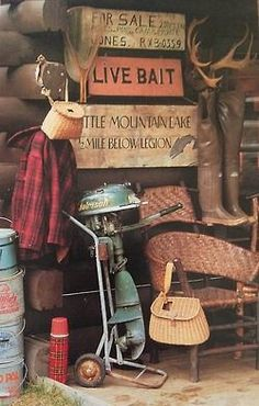Vintage cabin and fishing gear UpNorth Cottage/Cabine Decor Lake Cabins, Cabins And Cottages, Visual Merchandising, Lake Decor, Vintage Cabin, Little Cabin, Fish Camp, Vintage Fishing, Cozy Cabin