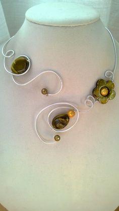 Aluminium wire necklace  Army green necklace par LesBijouxLibellule