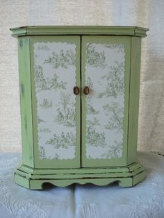 Vintage Hand Painted Decoupage Green Toile Distressed Jewelry Box Chest