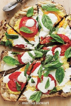A sweet and savory purée of corn, Parmesan cheese, garlic, and olive oil stands in for tomato sauce on this pizza. #marthastewart #recipes #recipeideas #familydinner #weeknightdinners #familyfriendlyrecipes Basil Recipes, Corn Recipes, Healthy Recipes, Yummy Recipes, Dinner Recipes, Grilled Pizza Recipes, Grilling Recipes, Vegetarian Grilling, Vegetarian Pizza
