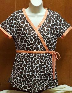 4e13eaacc16 Koi by Kathy Peterson Giraffe Printed scrub top S #K-07 #fashion #