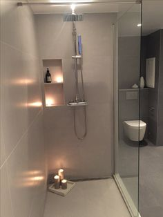 Love this walk-in shower with grate drain at the one end. Bathtub Drain Stopper, Bathroom Shower Design, Bathroom Inspiration, Bathroom Decor, Shower Remodel, Ensuite Bathroom Designs, Bathroom Mirror, Bathrooom Design, Bathroom